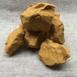 Gelber marokkanischer Ocker in Stücken